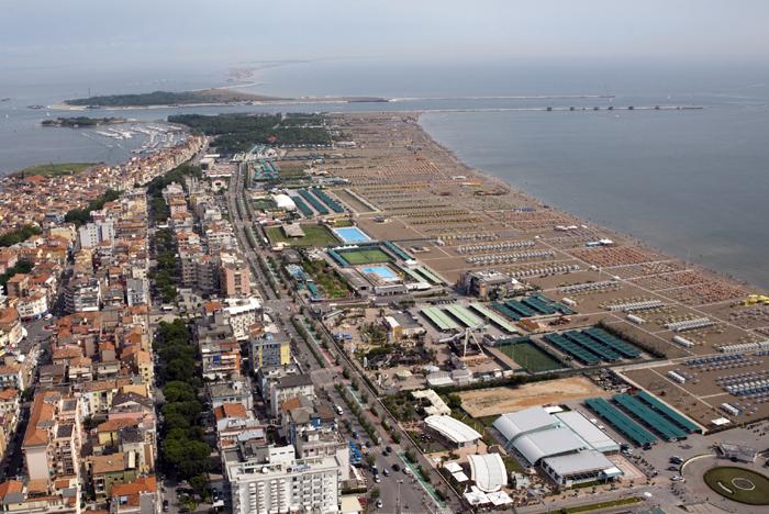 La spiaggia di Sottomarina - foto aerea